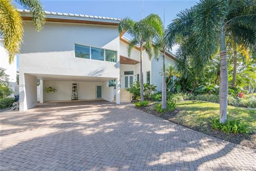 Photo of 699 Glenridge Rd, Key Biscayne, FL 33149 (MLS # A10964655)