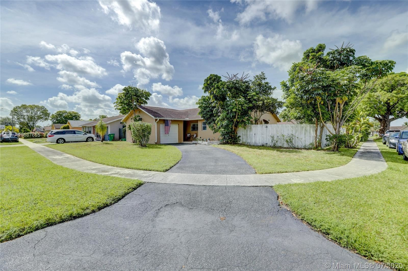 8360 NW 47th Ct, Lauderhill, FL 33351 - #: A10887655