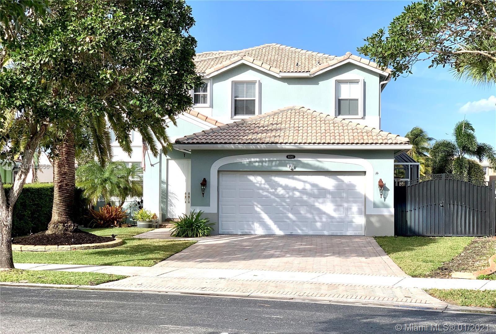 Photo of 16285 SW 44th St, Miami, FL 33185 (MLS # A10985656)