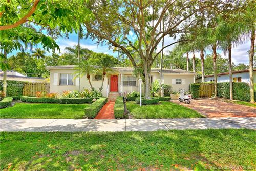 Photo of Listing MLS a10883657 in 5942 SW 48th St Miami FL 33155