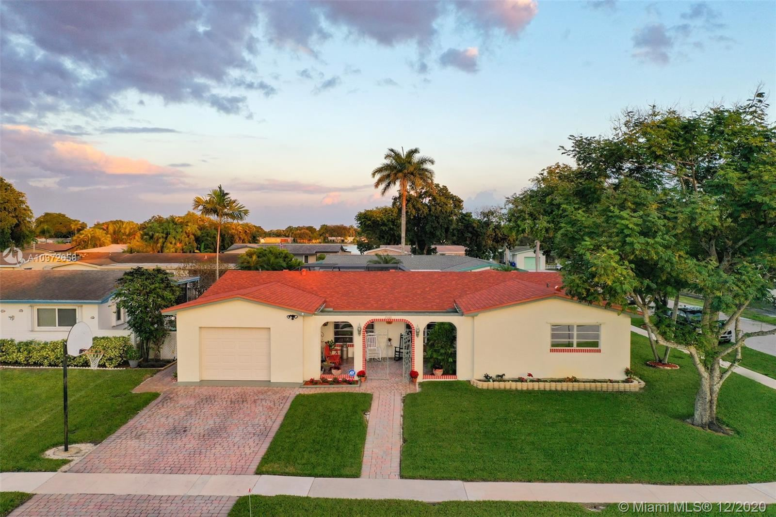 2001 NW 88th Way, Pembroke Pines, FL 33024 - #: A10972658
