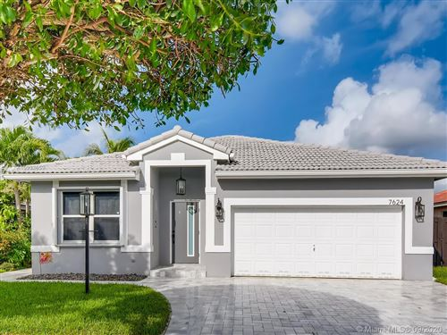 Photo of 7624 SW 166th Ct, Miami, FL 33193 (MLS # A10932659)