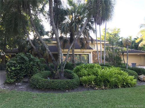 Foto de inmueble con direccion 7130 Mira Flores Ave Coral Gables FL 33143 con MLS A10919660