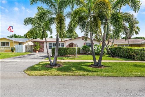 Photo of Listing MLS a10858662 in 5501 Hayes St Hollywood FL 33021