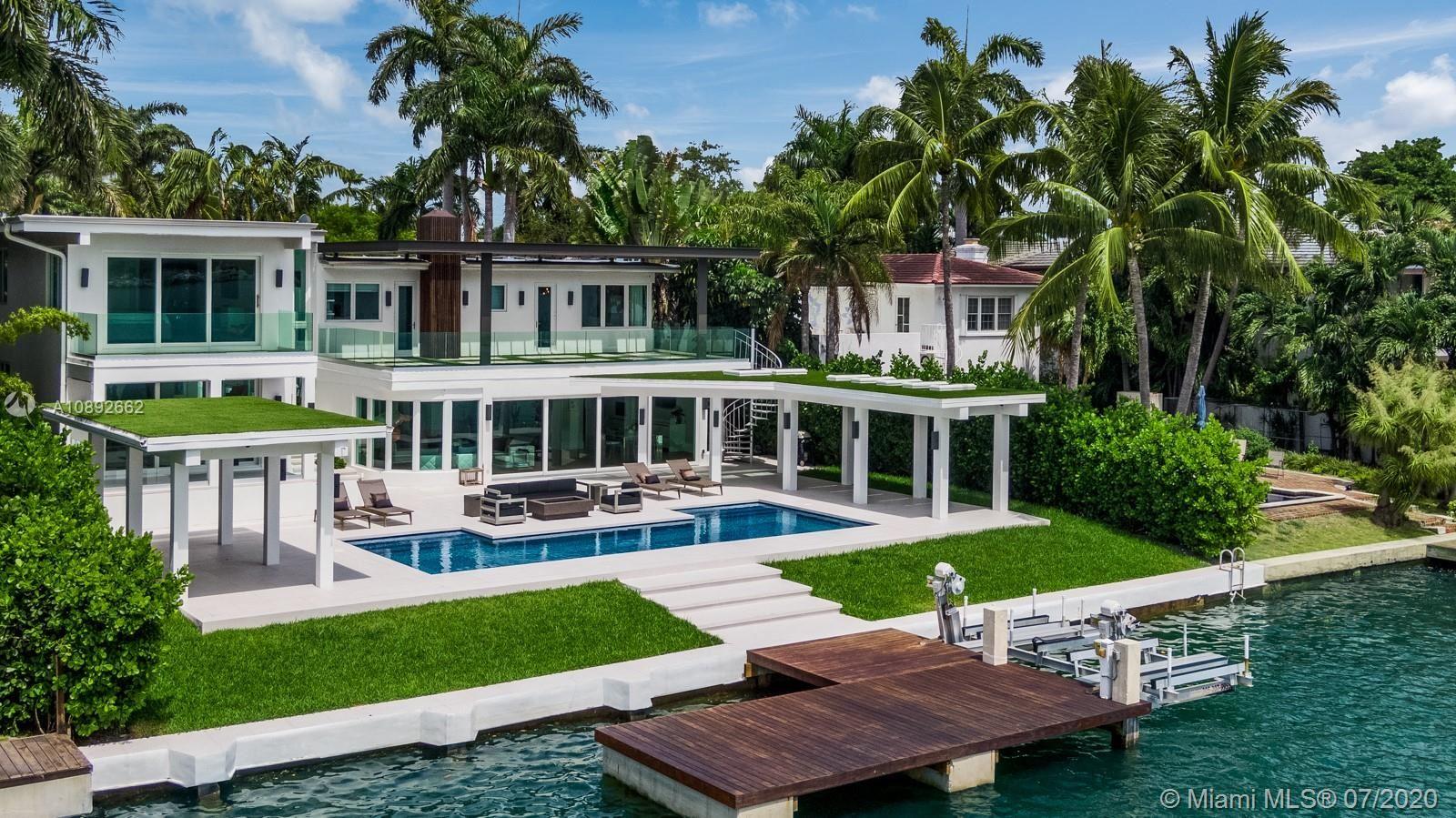 Photo 1 of Listing MLS a10892662 in 327 E Rivo Alto Dr Miami Beach FL 33139