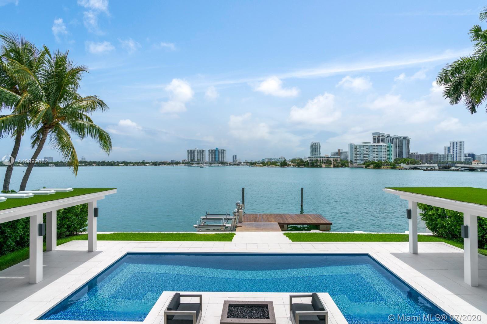 Photo 3 of Listing MLS a10892662 in 327 E Rivo Alto Dr Miami Beach FL 33139