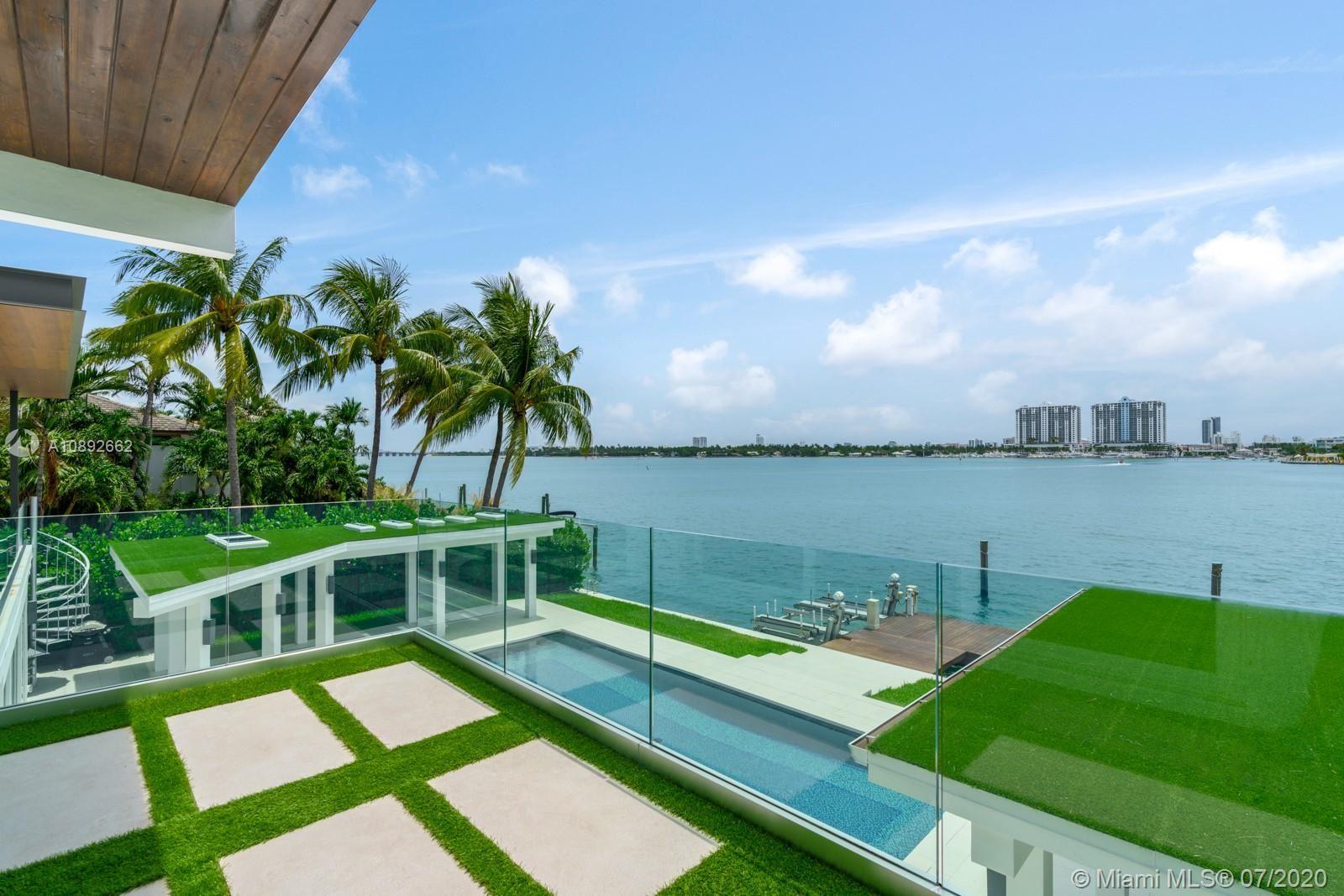 Photo 18 of Listing MLS a10892662 in 327 E Rivo Alto Dr Miami Beach FL 33139