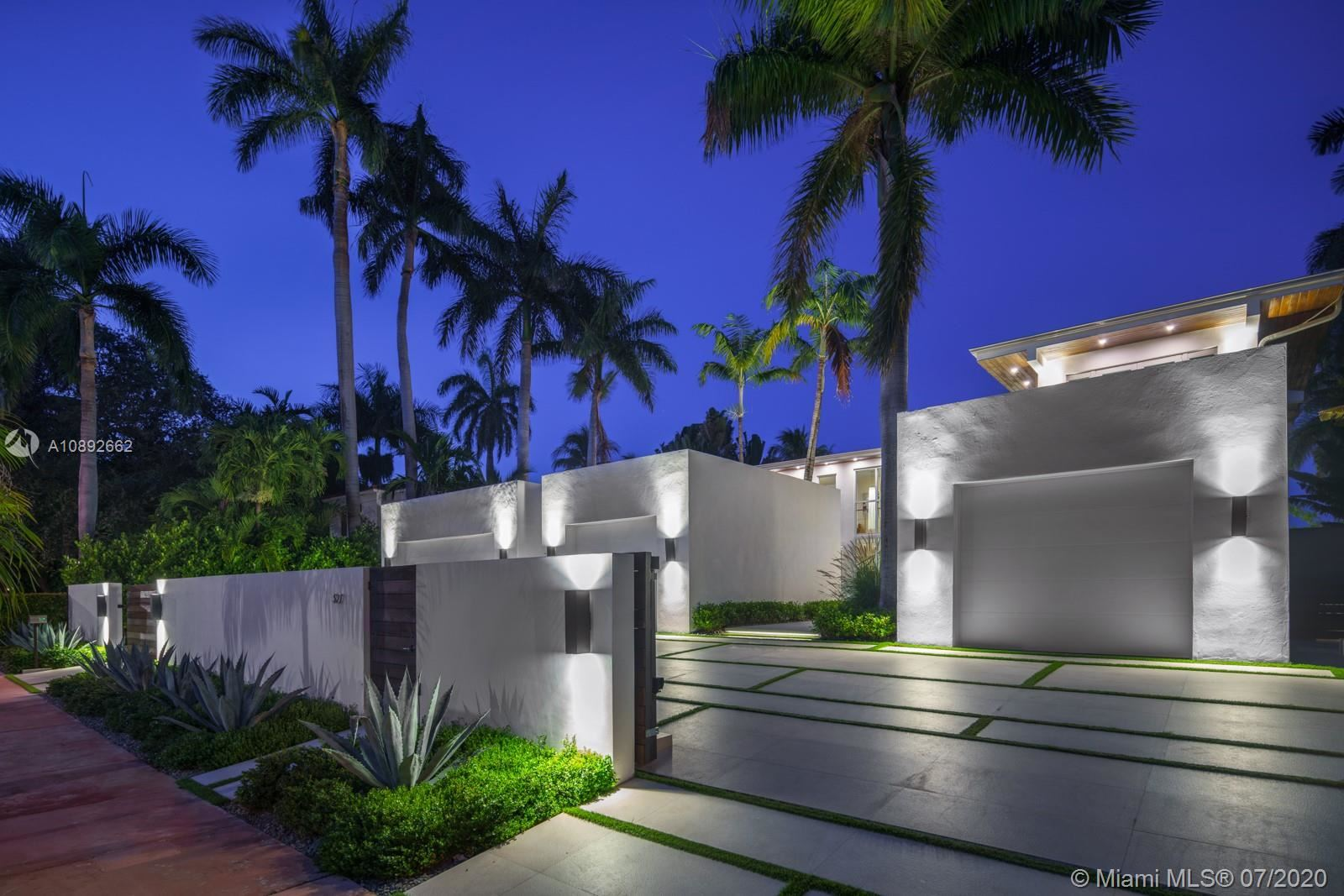 Photo 23 of Listing MLS a10892662 in 327 E Rivo Alto Dr Miami Beach FL 33139