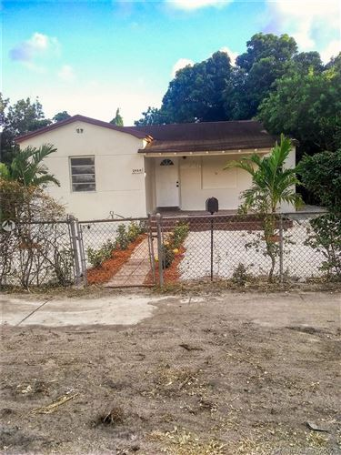 Photo of Listing MLS a10820663 in 2456 NW 87th st Miami FL 33147