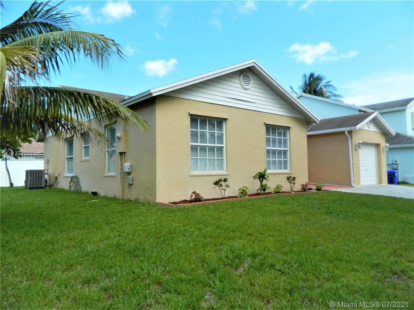 921 SW 88th Way, Pembroke Pines, FL 33025 - #: A11070665