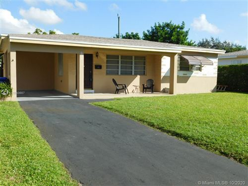 Foto de inmueble con direccion 6921 SW 11th St Pembroke Pines FL 33023 con MLS A10943667