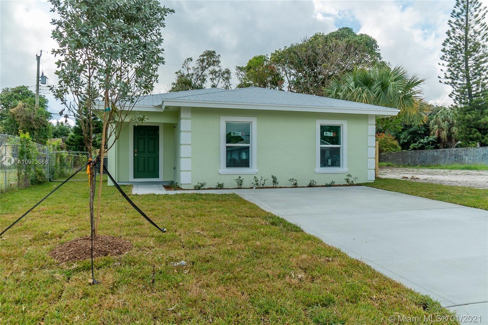 720 20th St, West Palm Beach, FL 33407 - #: A10973668