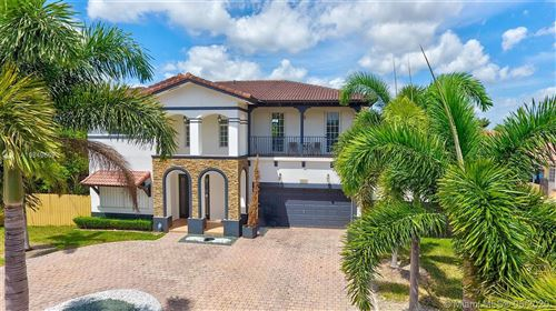 Photo of Listing MLS a10849669 in 19894 SW 129th Ct Miami FL 33177