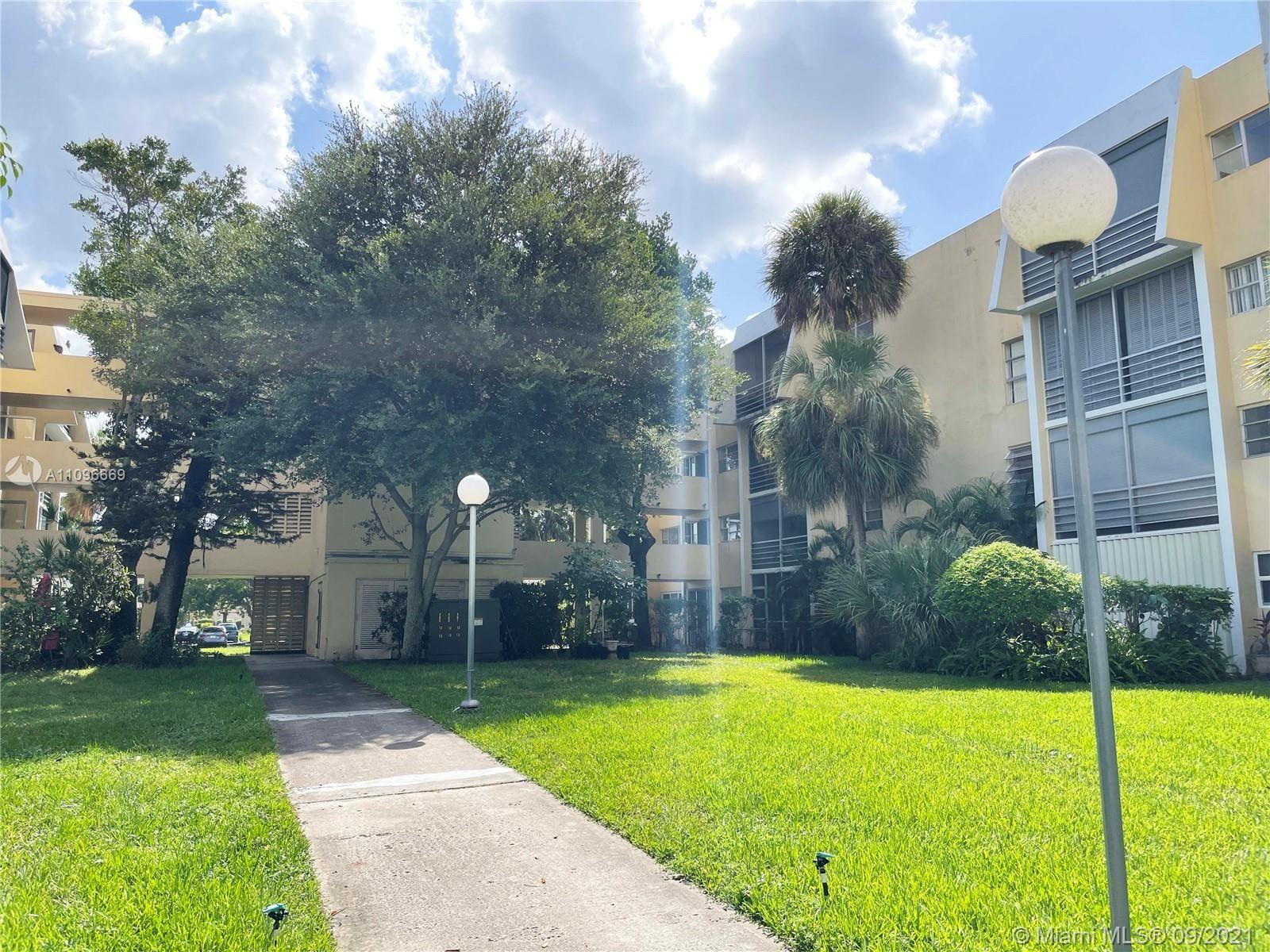 922 NE 199th St #106, Miami, FL 33179 - #: A11096669