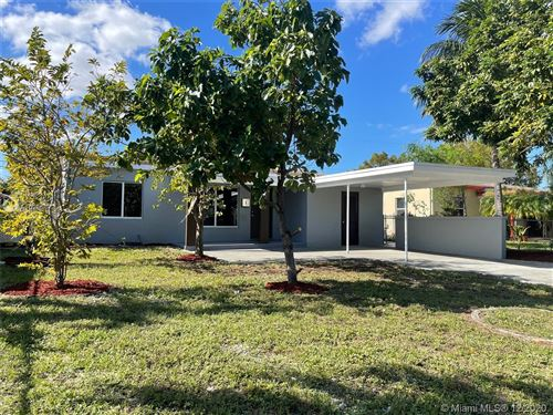 Photo of 5317 NE 5th Ave, Oakland Park, FL 33334 (MLS # A10965672)