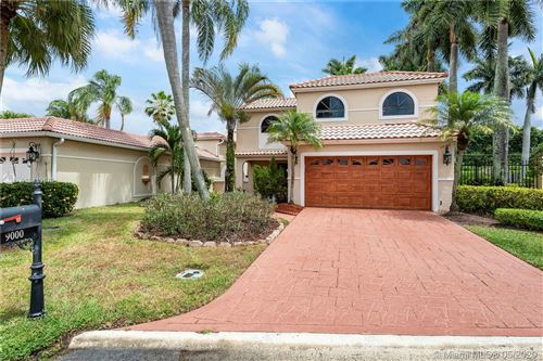 Photo of 9000 Villa Portofino Cir, Boca Raton, FL 33496 (MLS # A10839673)
