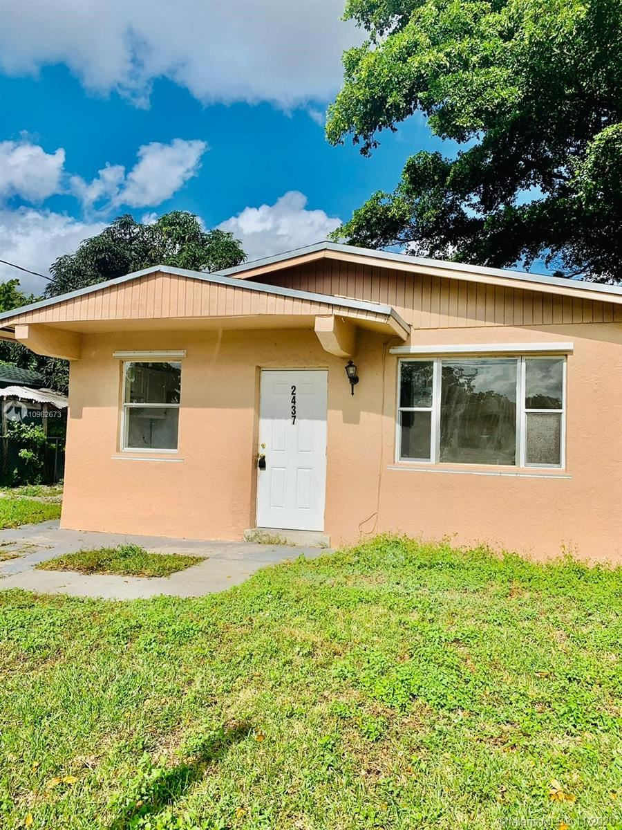 Photo of 2437 NW 20th St, Fort Lauderdale, FL 33311 (MLS # A10962673)
