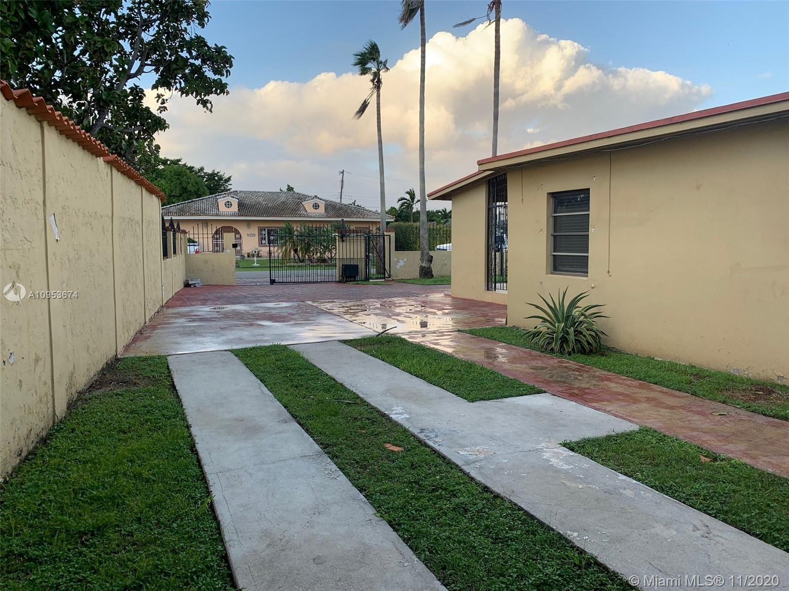 10740 Westwood Lake Dr, Miami, FL 33165 - #: A10953674