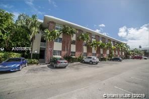 Photo of 2426 SE 17th Cswy #209A, Fort Lauderdale, FL 33316 (MLS # A10783675)