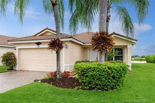 Photo of 11901 SW 7th St, Pembroke Pines, FL 33025 (MLS # A11097675)