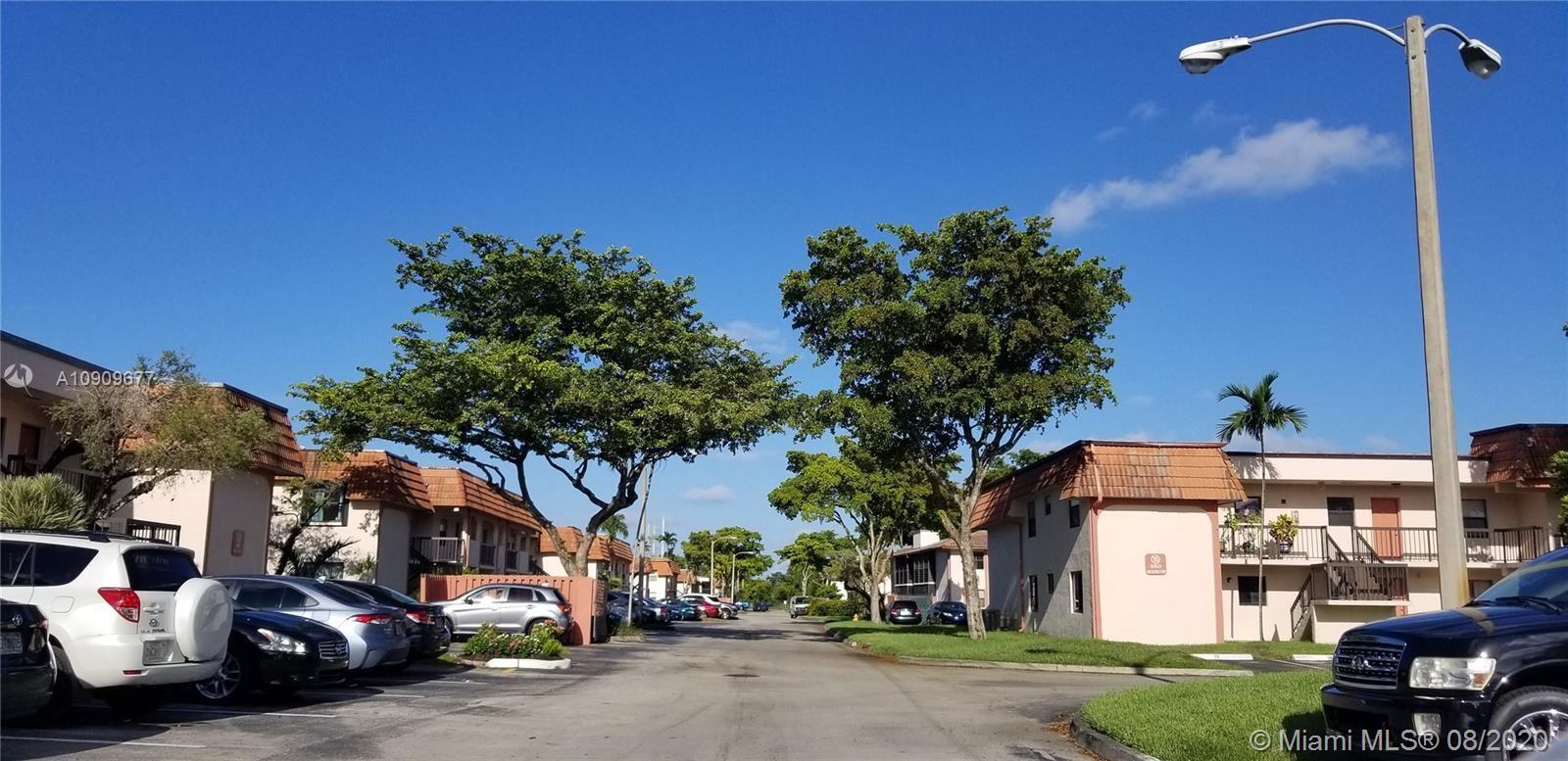 911 NE 209th Ter #102-27, Miami, FL 33179 - #: A10909677