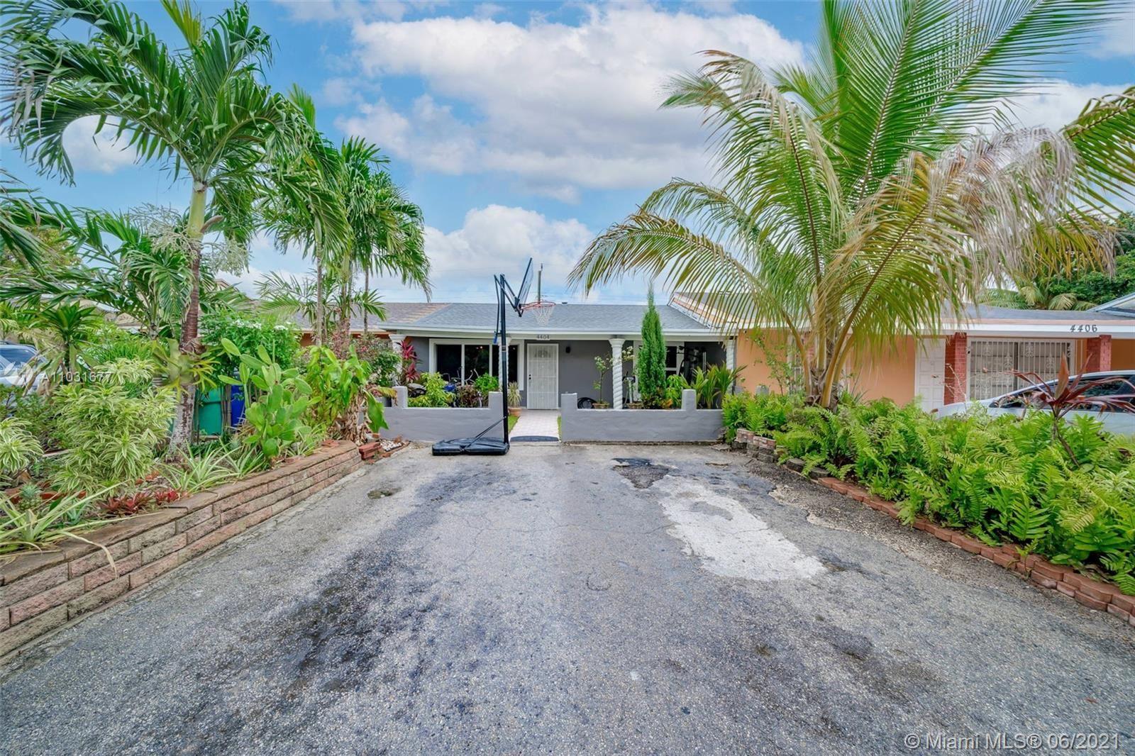 4404 NW 185th St, Miami Gardens, FL 33055 - #: A11031677