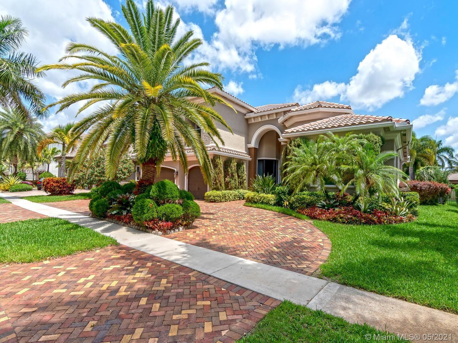 10231 Blue Palm St, Plantation, FL 33324 - #: A11038686