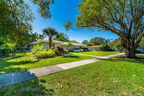 Photo of 8500 SW 160th St, Palmetto Bay, FL 33157 (MLS # A10805687)