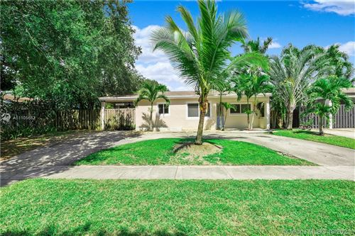 Photo of 6881 Freedom St, Hollywood, FL 33024 (MLS # A11105687)