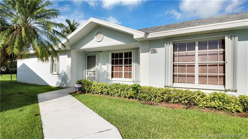 Photo of Listing MLS a10728690 in 2230 SE 6th Pl Homestead FL 33033