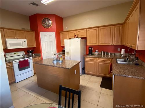 Photo of Listing MLS a10786691 in 1933 SE 24th Ave Homestead FL 33035