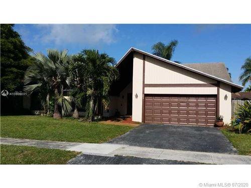 Photo of Listing MLS a10806691 in 841 NE 205th St Miami FL 33179