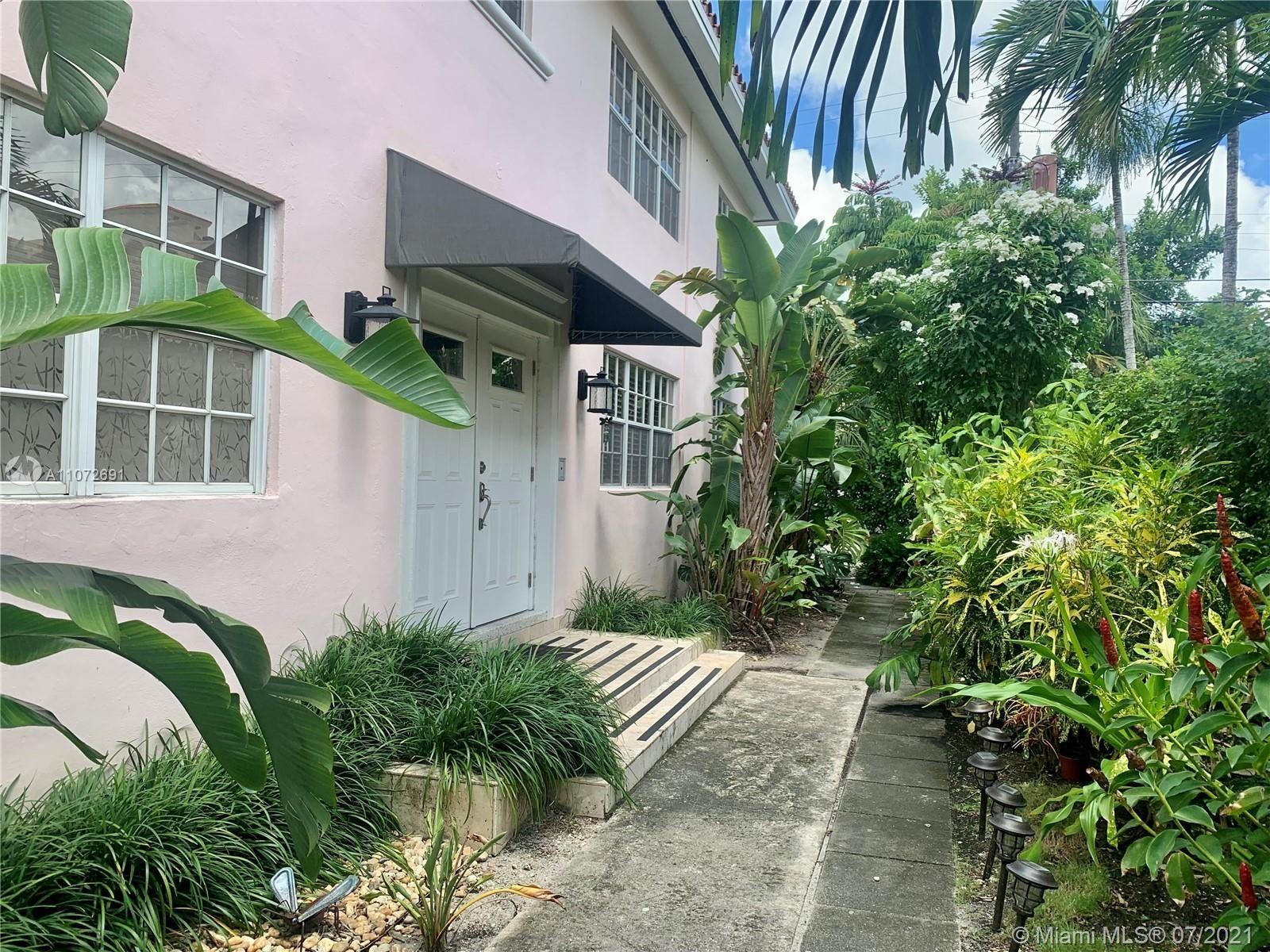 Photo of 131 Salamanca Ave #4, Coral Gables, FL 33134 (MLS # A11072691)