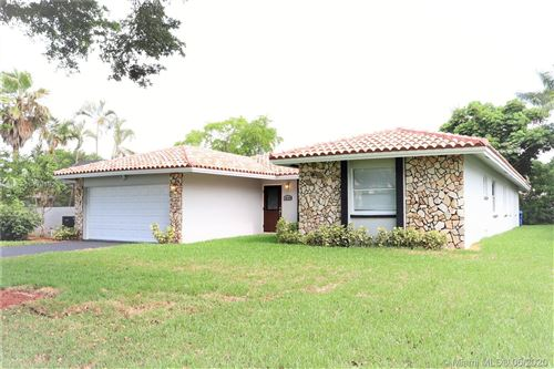 Foto de inmueble con direccion 10722 NW 17th Mnr Coral Springs FL 33071 con MLS A10878692