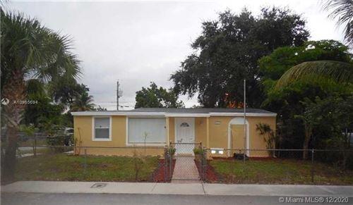 Photo of 1467 NE 154th Ter, North Miami Beach, FL 33162 (MLS # A10965694)