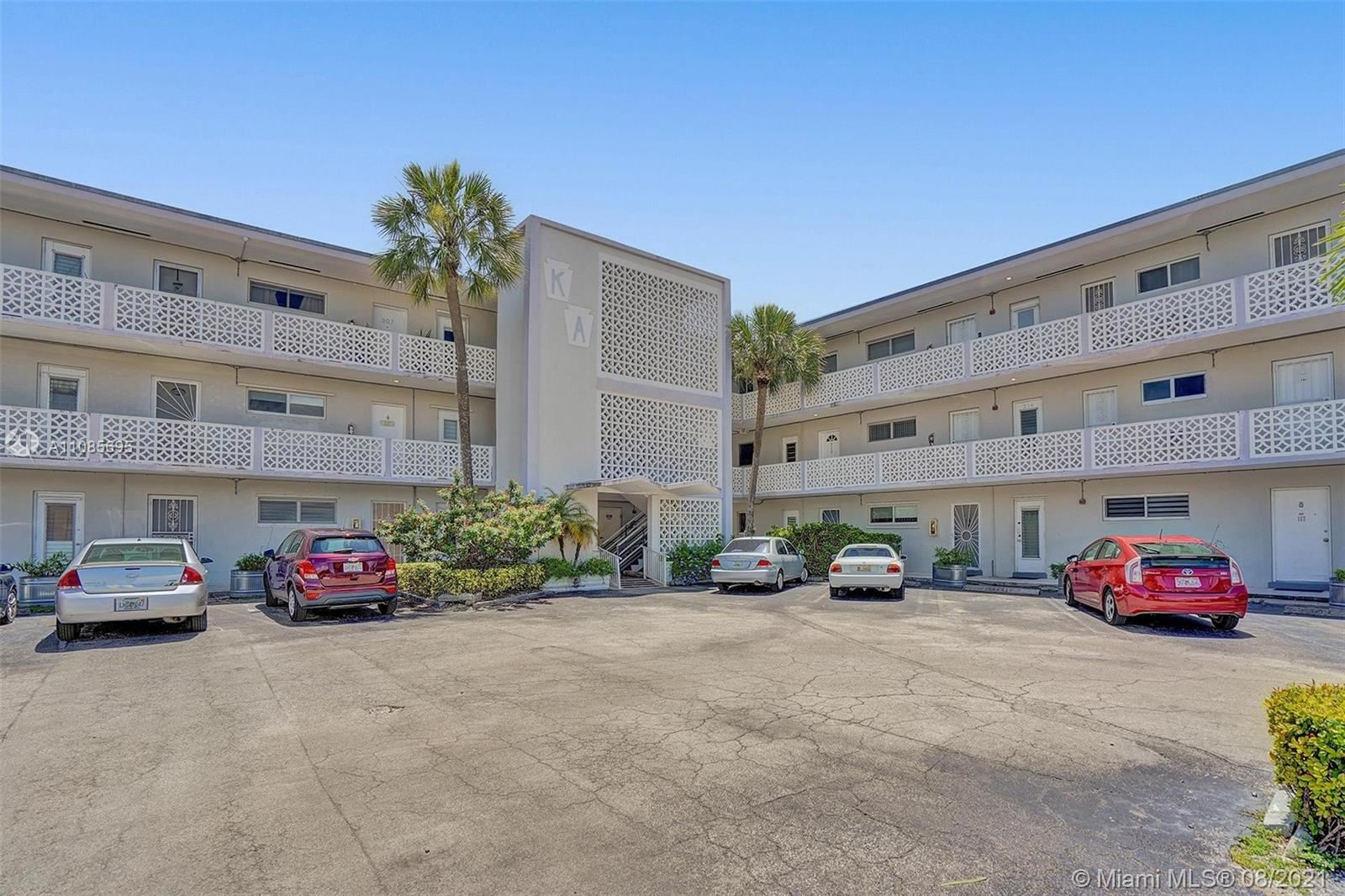 13105 S Ixora Ct #214, North Miami, FL 33181 - #: A11085695
