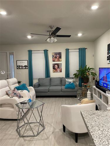 Photo of Hollywood, FL 33021 (MLS # A11043697)