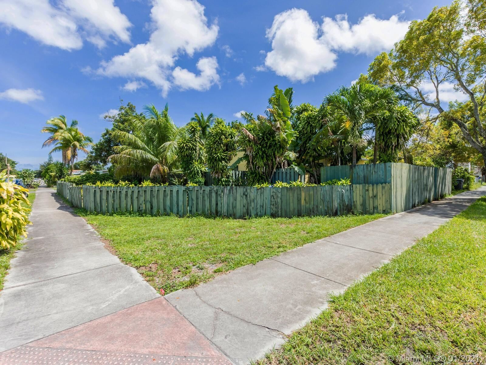 1221 N 58th Ave, Hollywood, FL 33021 - #: A10928697