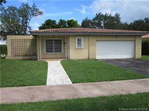 Photo of 810 Benevento Ave, Coral Gables, FL 33146 (MLS # A10710698)