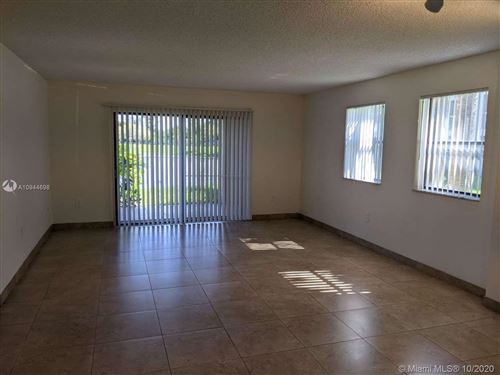 Photo of 5200 NW 31st Ave #25, Fort Lauderdale, FL 33309 (MLS # A10944698)