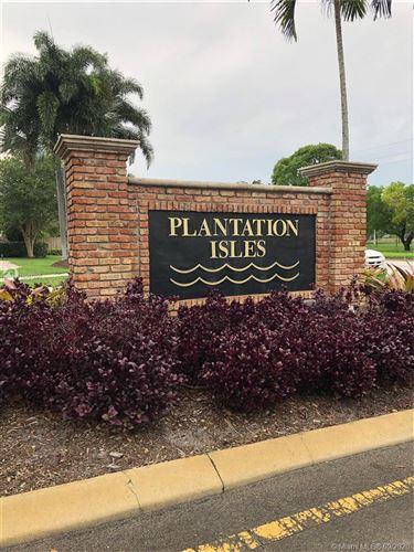 Foto de inmueble con direccion 5840 SW 13th St Plantation FL 33317 con MLS A10867700