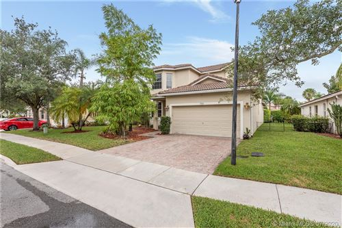 Photo of 759 SW 121st Ave, Pembroke Pines, FL 33025 (MLS # A10889702)