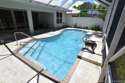 Photo of 8563 Wakefield Dr, Palm Beach Gardens, FL 33410 (MLS # A11099702)