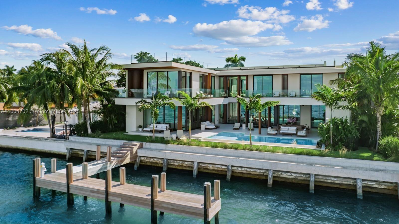 1061 N Venetian Dr, Miami, FL 33139 - #: A11004702