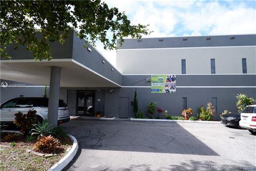 Foto de inmueble con direccion 16400 NW 15th Ave Miami Gardens FL 33169 con MLS A10828703
