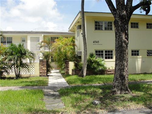 Photo of 6565 Santona St #B-7, Coral Gables, FL 33146 (MLS # A10860703)
