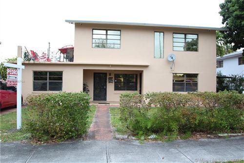 Photo of 921 E 18th St, Hialeah, FL 33013 (MLS # A10978704)