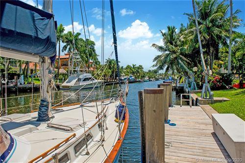 Foto de inmueble con direccion 6857 Sunrise Ter Coral Gables FL 33133 con MLS A10916705