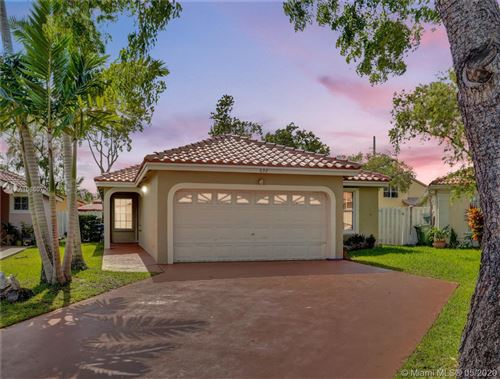 Photo of Listing MLS a10860706 in 632 NW 183rd Ter Pembroke Pines FL 33029