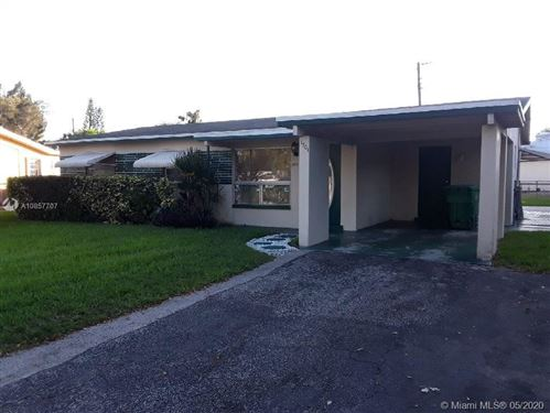 Foto de inmueble con direccion 1701 NW 36th Ave Lauderhill FL 33311 con MLS A10857707